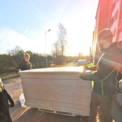 Valmieras dienesta viesnīcai 177 matraču un gūltu detaļu piegāde ar uznešanu